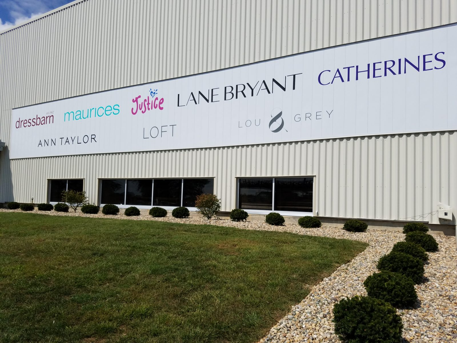 Custom Company Vinyl Banners & Signs in Indianapolis, IN