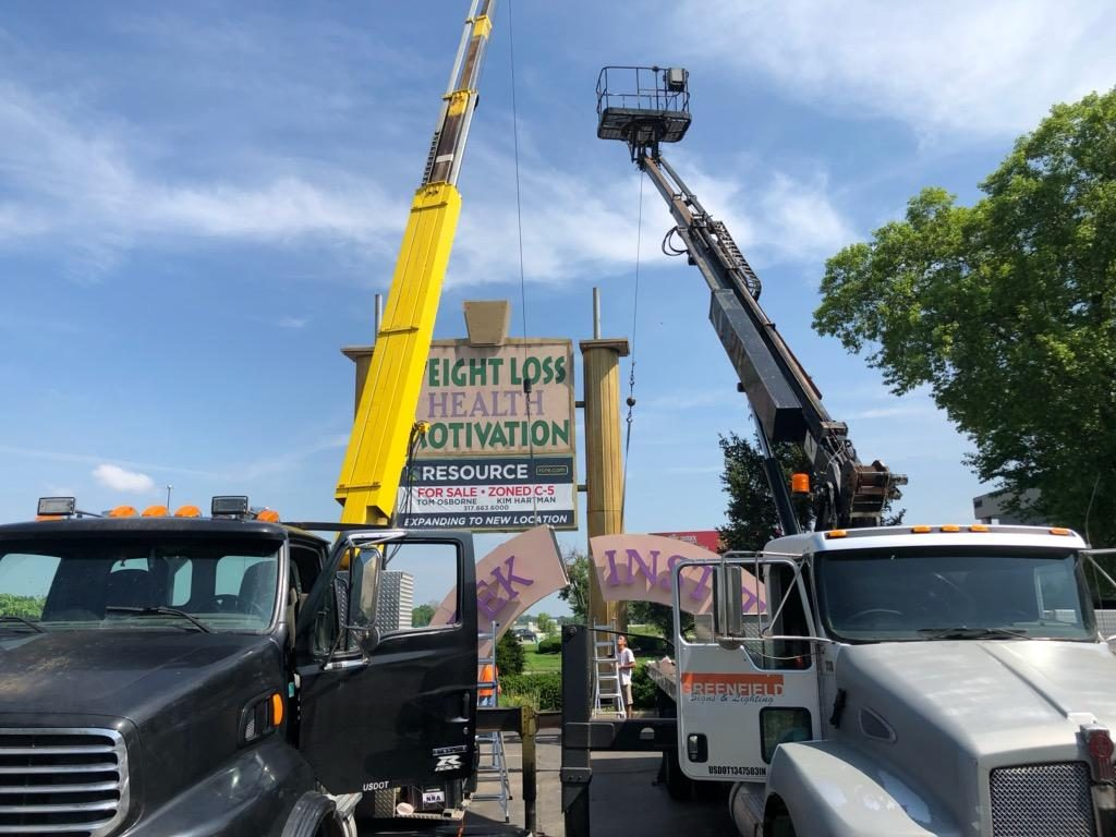 installation of pylon sign in indianapolis